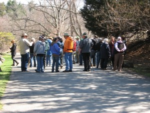 A discussion during the tour of the Arboretum.